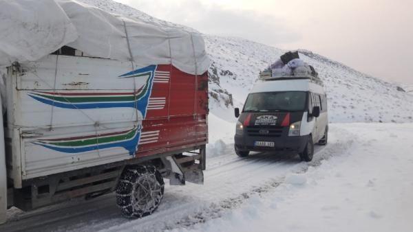 Siirt'te kardan kapanan 32 köy yolu ulaşıma açıldı -6