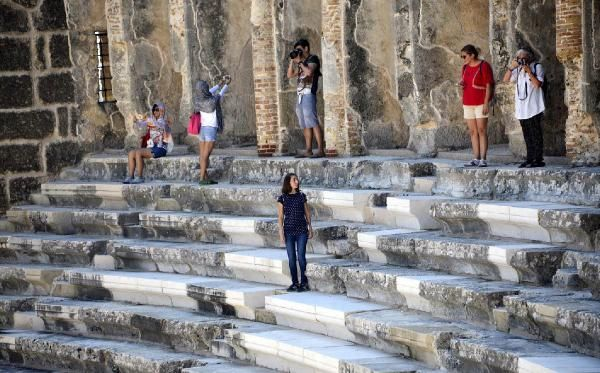 Tarihi rekoru, vali duyurdu: Antalya'ya 15 milyon 644 bin 108 turist geldi -6