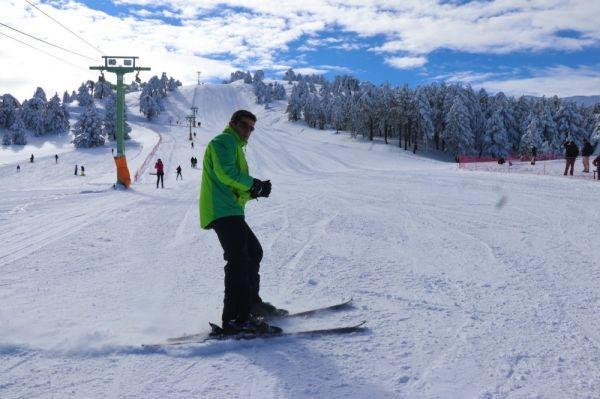 Salda Gölü manzaralı Kayak Merkezinde sezon açıldı -1