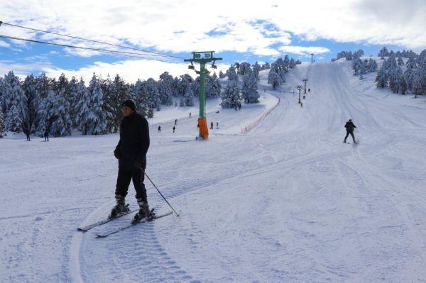 Salda Gölü manzaralı Kayak Merkezinde sezon açıldı -7