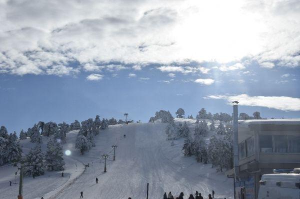 Salda Gölü manzaralı Kayak Merkezinde sezon açıldı -4