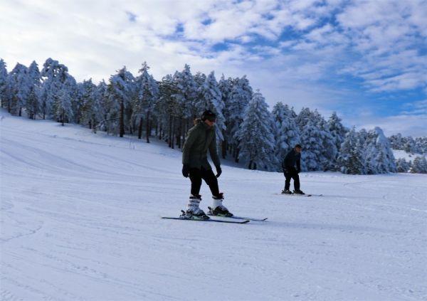Salda Gölü manzaralı Kayak Merkezinde sezon açıldı -6
