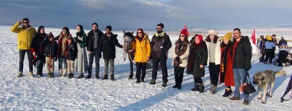 Buzla kaplanan Çıldır Gölü, 2020'de de gözde -3