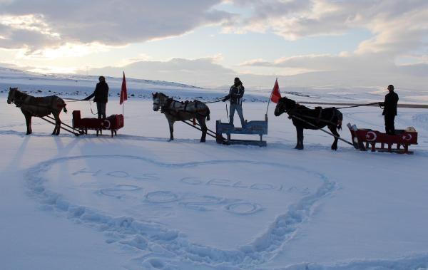 Buzla kaplanan Çıldır Gölü, 2020'de de gözde -5
