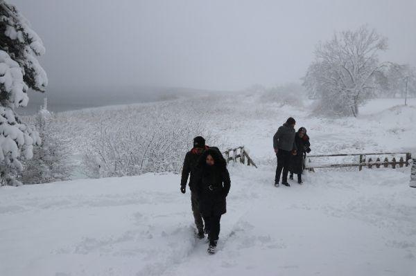 Abant'ta kar kalınlığı 1 metreyi buldu -8