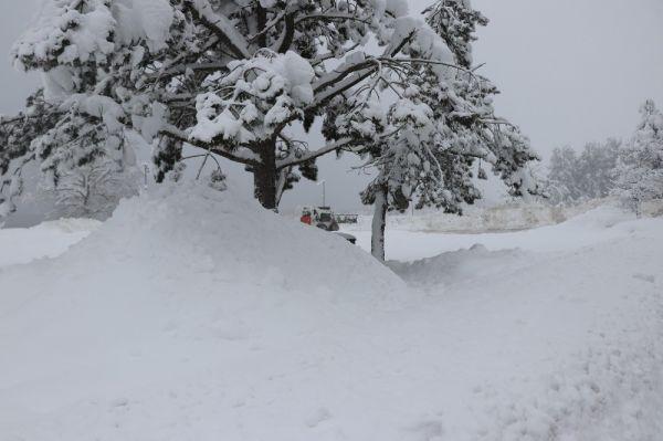 Abant'ta kar kalınlığı 1 metreyi buldu -1