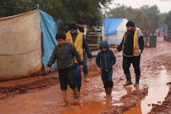 İdlib'den Türkiye sınırına göç edenlerin sayısı 380 bine ulaştı -6