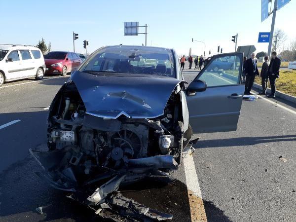Tekirdağ'da ışık ihlali yapan sürücü, otomobile çarpınca yaşamını yitirdi -1