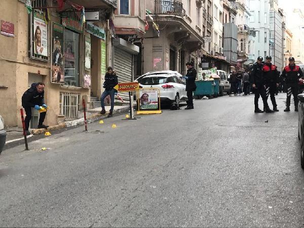 Beyoğlu'ndaki HDP binası önünde hareketli dakikalar -2