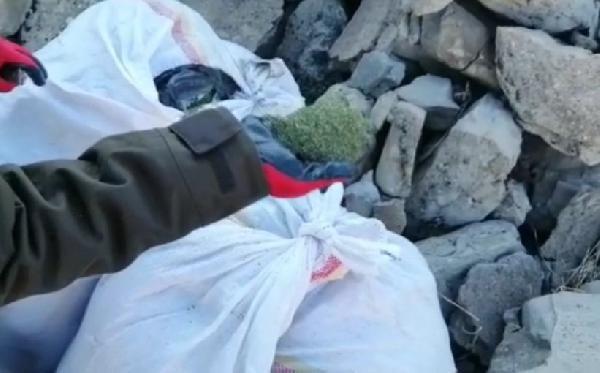 Lice'de, yastık kılıfı ve poşetlerde 62 kilo esrar ele geçirildi -2