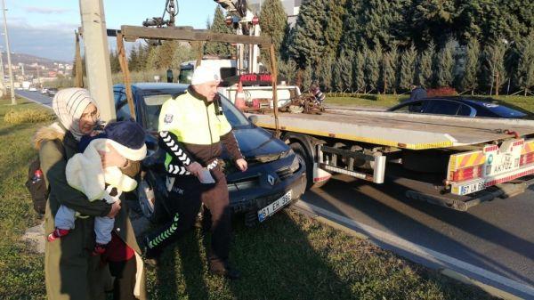 Otomobile çarpıp refüje çıktı: 1 yaralı -3