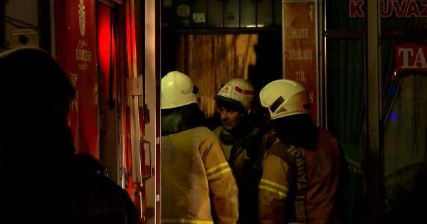 Gaziosmanpaşa'da çıkan yangında 12 kişi dumandan etkilendi -1