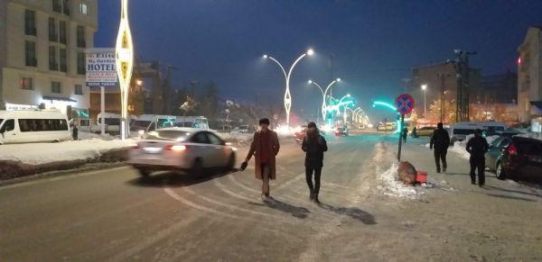 Yüksekova'da soğuk hava hayatı olumsuz Eietkiliyor -4
