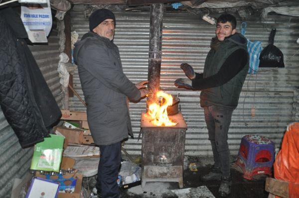 Yüksekova'da soğuk hava hayatı olumsuz Eietkiliyor -3