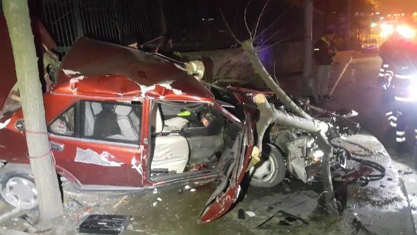 Maslak'ta takla atan otomobil hurdaya döndü: 1'i ağır, 3 yaralı -1