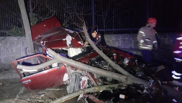Maslak'ta takla atan otomobil hurdaya döndü: 1'i ağır, 3 yaralı -2