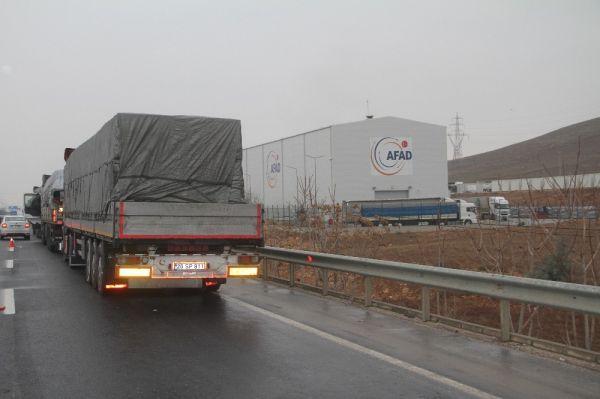 Elazığ'a Türkiye'nin dört bir yanından yardım yağıyor -2