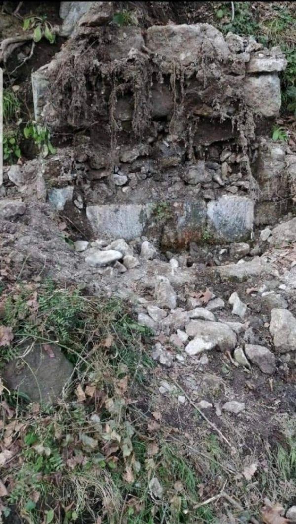 Trabzon'da 150 yıllık tarihi çeşmenin taşları çalındı -2