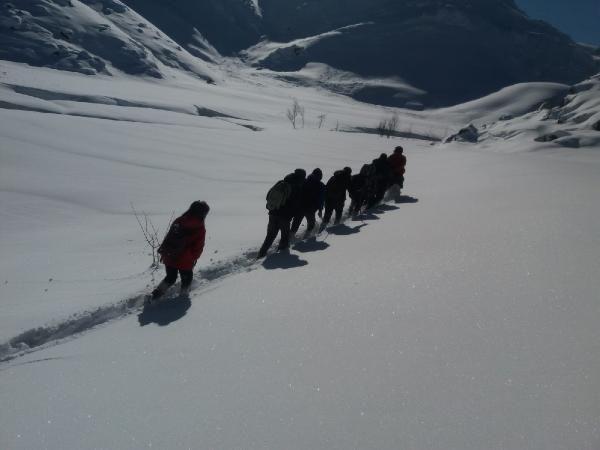 Öğrenciler, okula gitmek için çıktıkları zorlu yolculuklarını görüntüledi -8