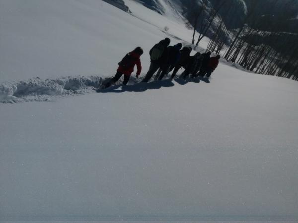 Öğrenciler, okula gitmek için çıktıkları zorlu yolculuklarını görüntüledi -6