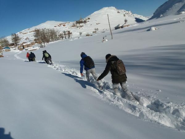 Öğrenciler, okula gitmek için çıktıkları zorlu yolculuklarını görüntüledi -5