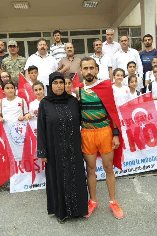 Türk bayrağını yırtan Yunan vekile tepki için 500 kilometre koşacak -4