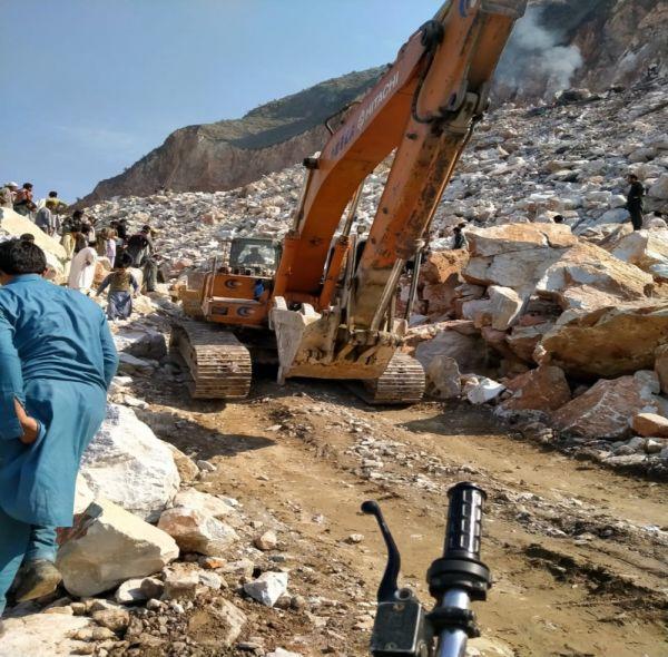 Pakistan'da maden çöktü: 10 ölü