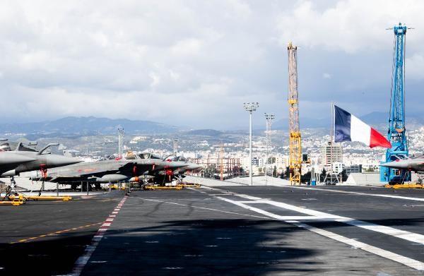 Fransa savaş gemisini Kıbrıs'a gönderdi, ABD üs inşa etmeye başladı -4