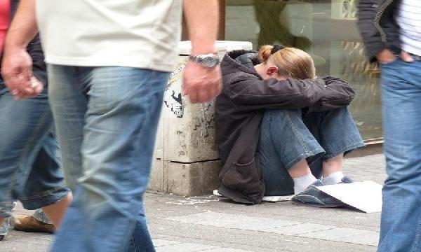 200 bin Rum yoksulluk sınırı altında yaşıyor -2