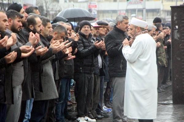 Bolu'da İdlib şehitleri için gıyabi cenaze namazı -6