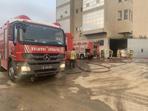 Tuzla'da kumaş fabrikasında yangın; mahsur kalan 5 işçi kurtarıldı -4