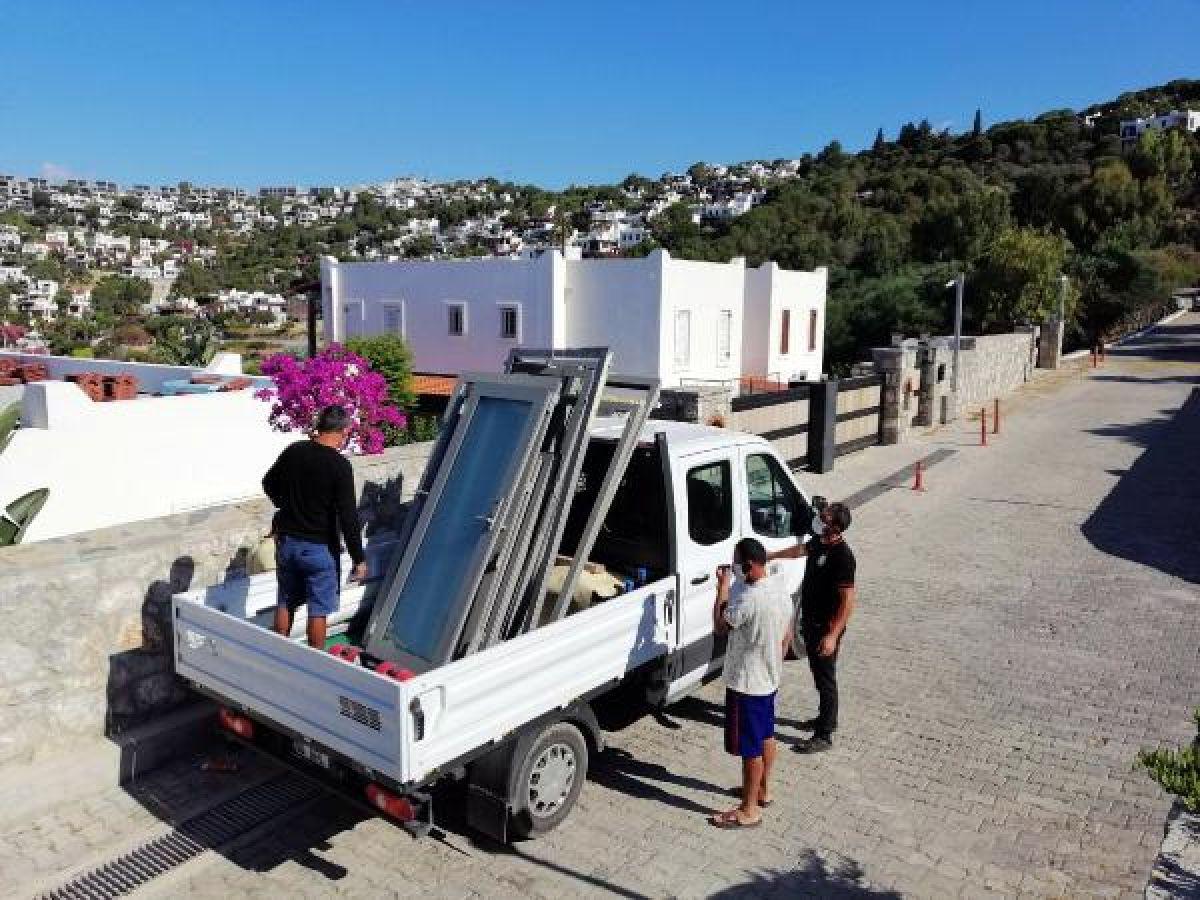 Özdil'in villasındaki kaçak eklentiler yıkılıyor -2