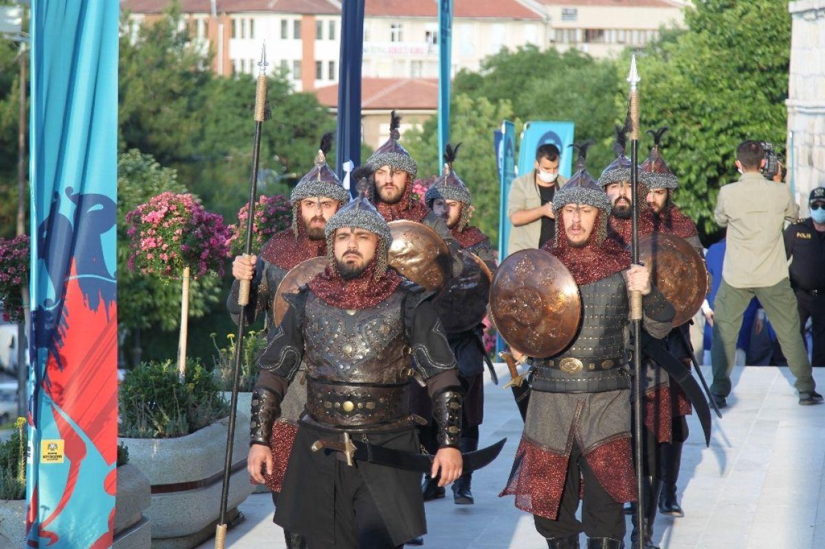 Konya, Selçuklu devletini başkent # 2 olarak tebrik etti
