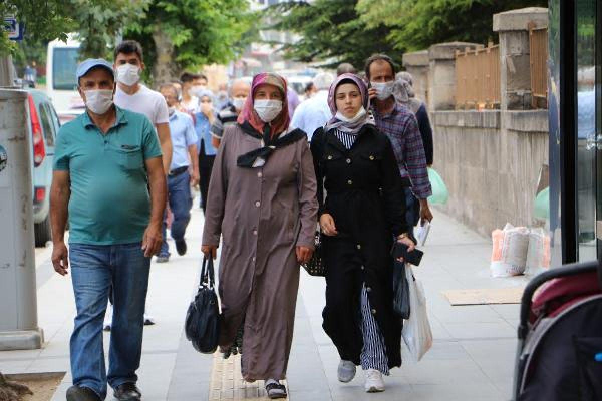 Tokat'ta cenazeye katılan 60 kişiye koronavirüs bulaştı #2