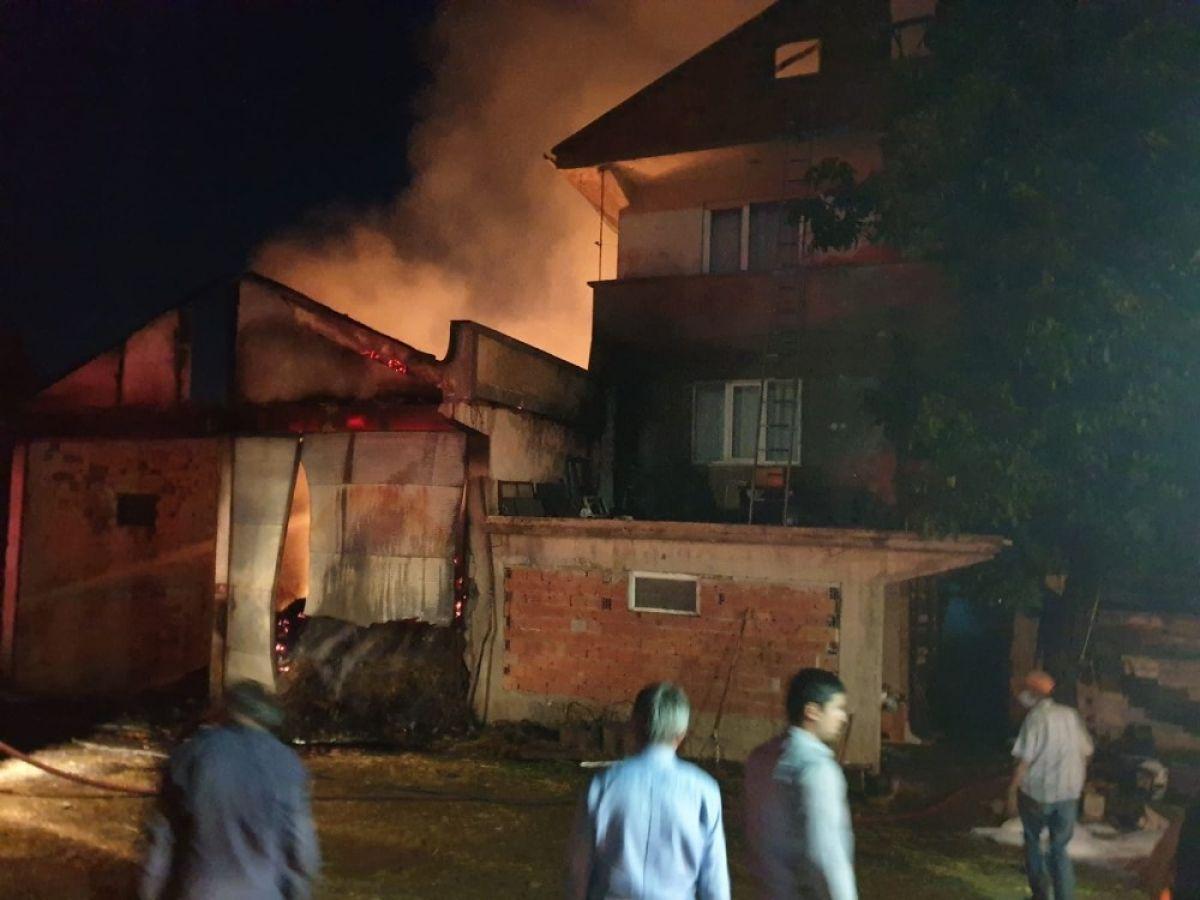 Kastamonu'da 8 yıl sonra, yine evini yangında kaybetti #8