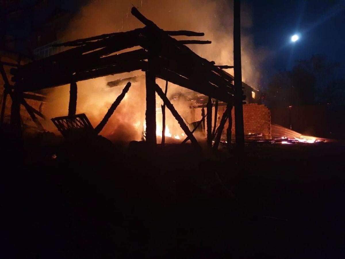 Kastamonu'da 8 yıl sonra, yine evini yangında kaybetti #3
