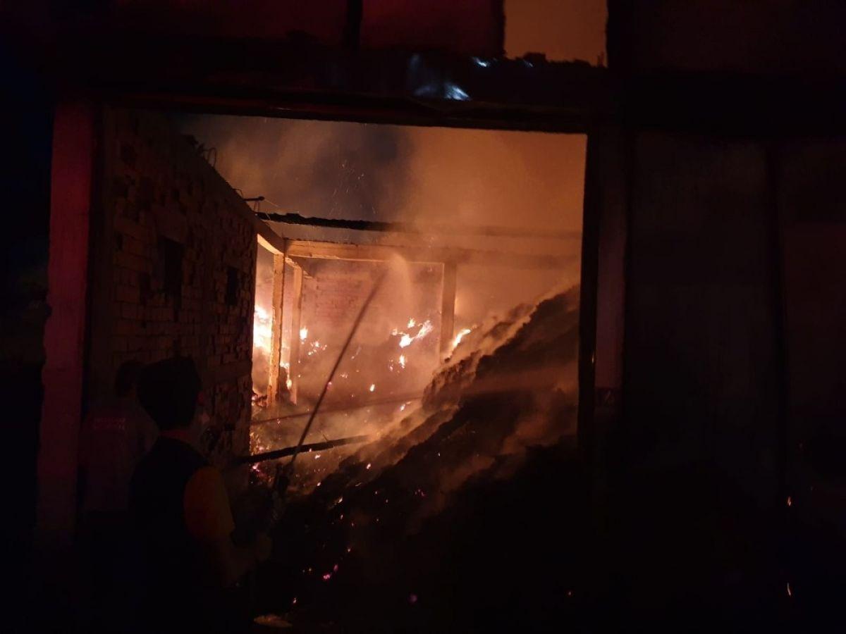 Kastamonu'da 8 yıl sonra, yine evini yangında kaybetti #4