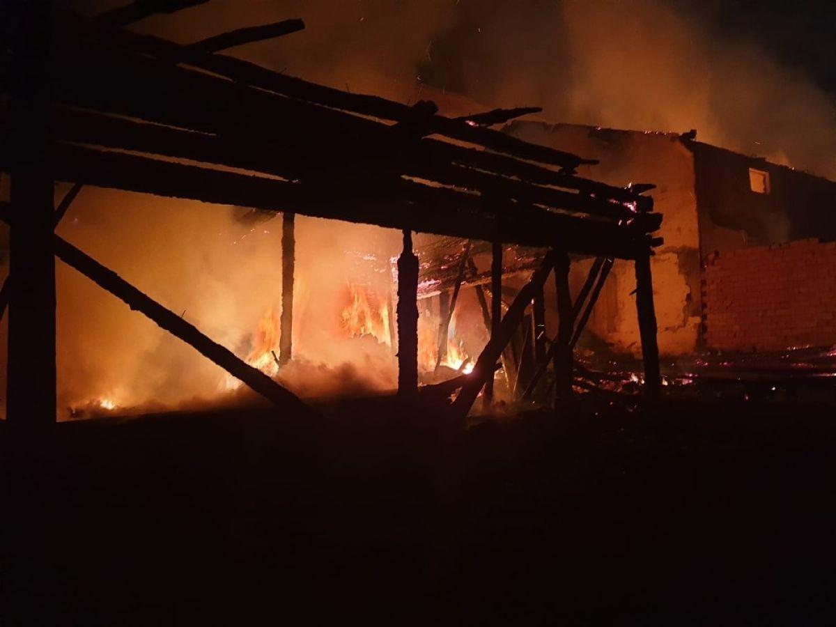 Kastamonu'da 8 yıl sonra, yine evini yangında kaybetti #5