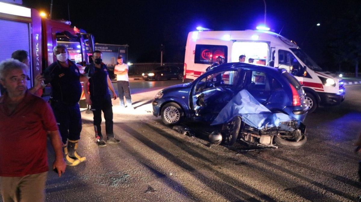 Manisa'da otomobille motosiklet çarpıştı: 1 ölü 3 yaralı #3