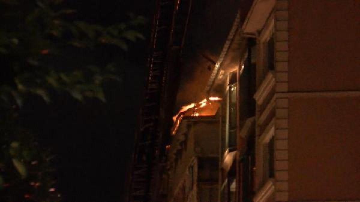 Şişli'de kullanılmayan 3 binanın çatısı yandı #8