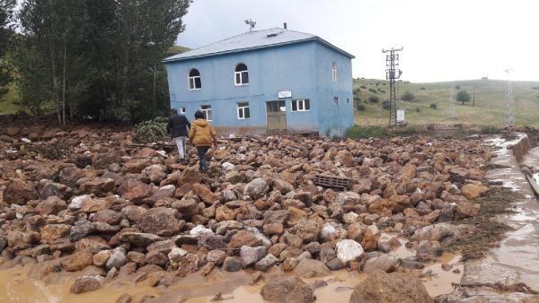 Bingöl'de sel ev ve ekili alanlara zarar verdi #2