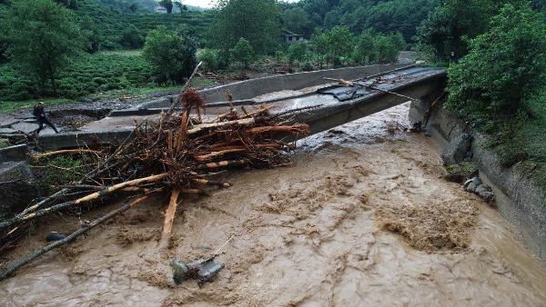 Rize'deki yağışlarda son 91 yılın rekoru kırıldı #14