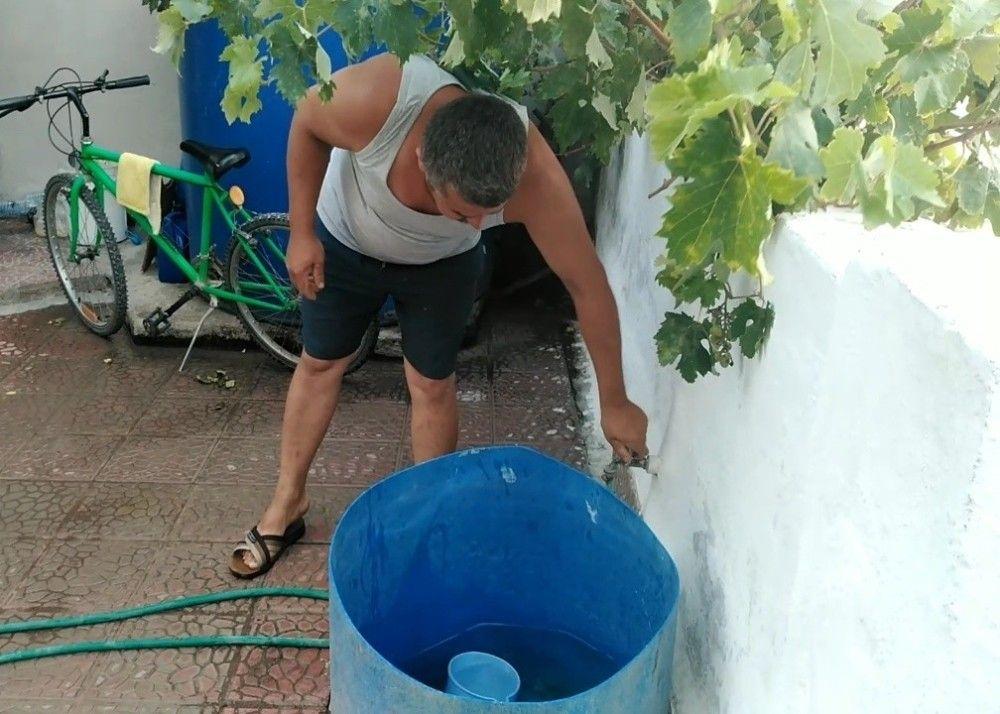 İzmirliler su kesintilerine isyan etti #5