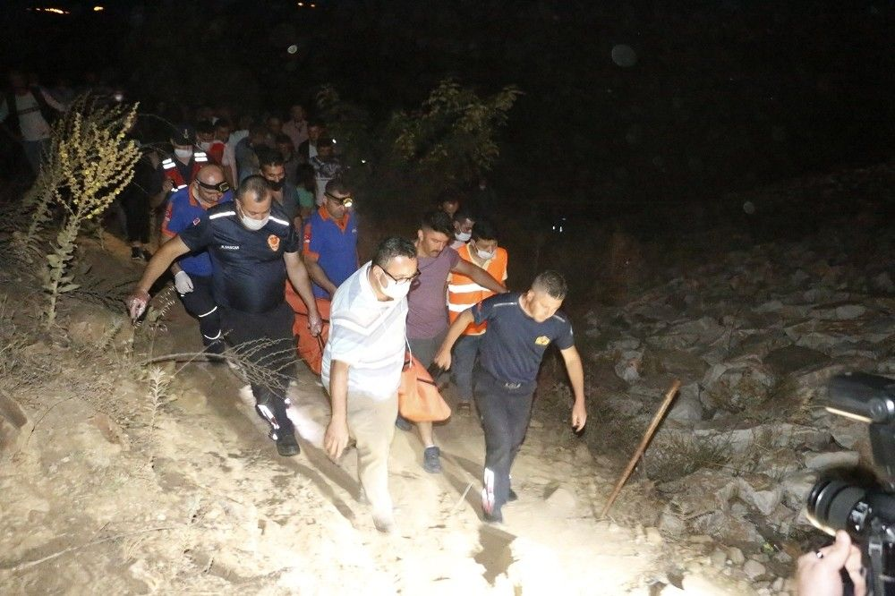 Manisa'da misinalara takılan itfaiyeci boğuldu #8