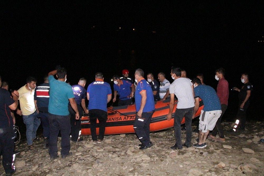 Manisa'da misinalara takılan itfaiyeci boğuldu #4