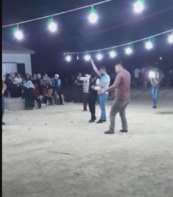 Konya'da düğün magandaları küçük çocuklara silah sıktırdı #2