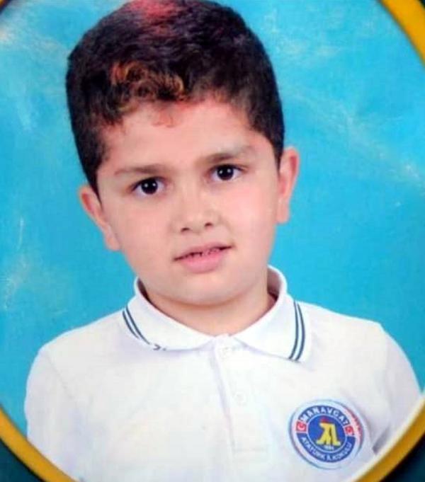 Antalya'da ağabeyin öldürdüğü kardeş aileye teslim edildi #9