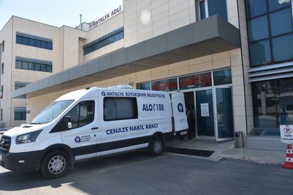 Antalya'da ağabeyin öldürdüğü kardeş aileye teslim edildi #5