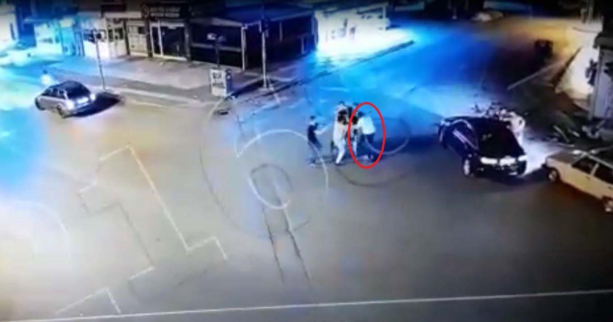 Ankara da, Eren in bıçakla öldürüldüğü yol verme kavgası kameralara yansıdı #4