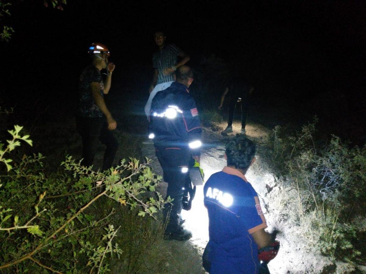 Kayseri de dağlık alanda mahsur kalan 4 genç kurtarıldı #3